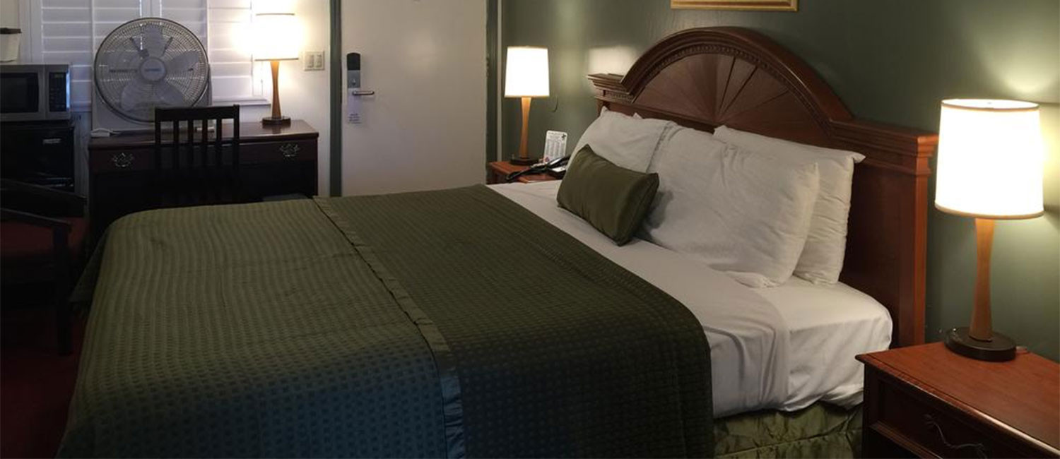 REINVIGORATE IN WELL-APPOINTED GUEST ROOMS AT OUR MORRO BAY HOTEL