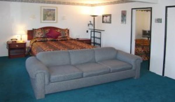 Holland Inn & Suites - Queen Room