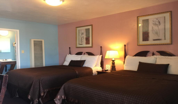 Holland Inn & Suites - 2 Double Bed Room